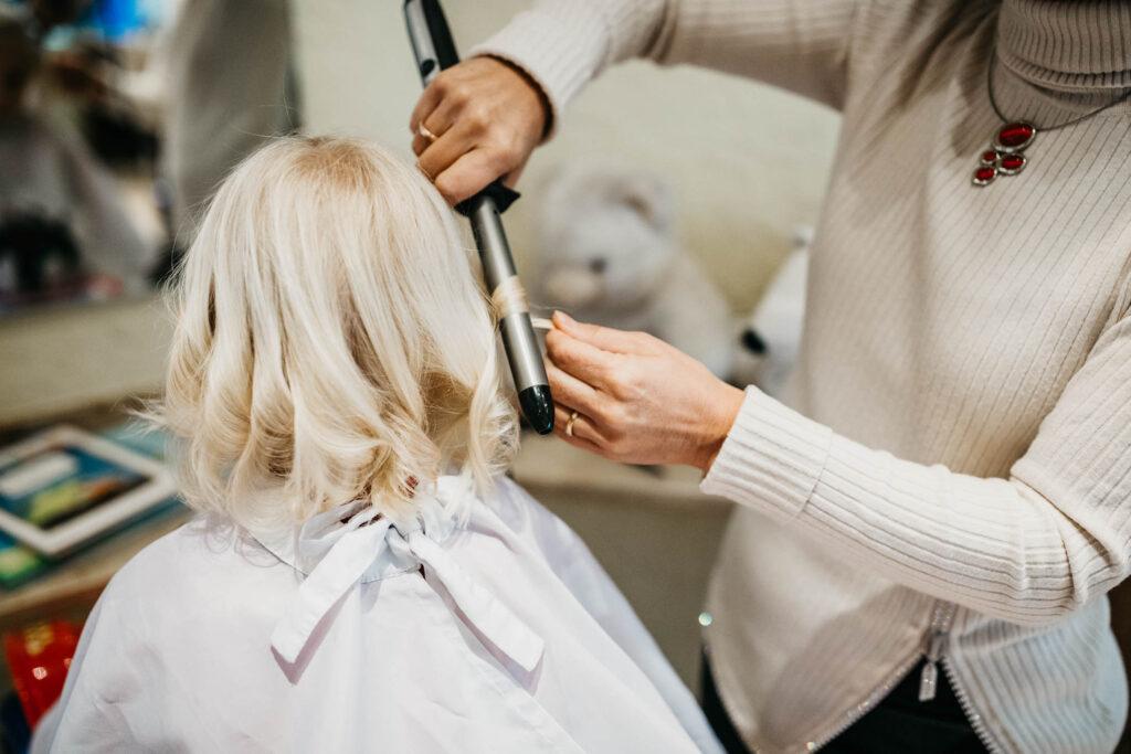 Hair-Styling und Hochsteckfrisuren